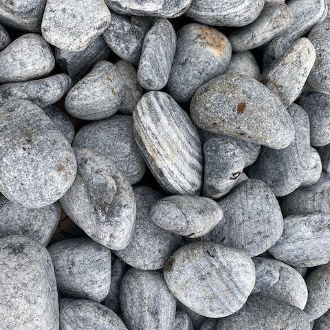 Galet gris noir